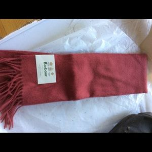 Barbour scarf cranberry NWT